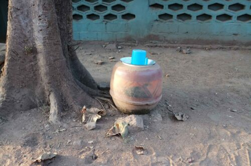Article : Mali : voici pourquoi on mettait des jarres d'eau devant les maisons